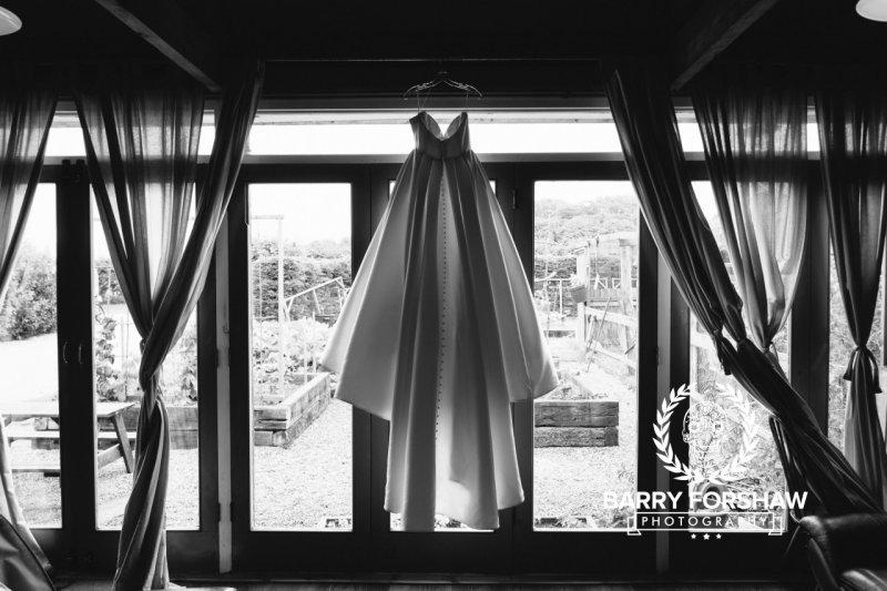 Katy & Tom Wedding Dale Farm, Yorkshire Wedding Photography by Barry Forshaw-0037